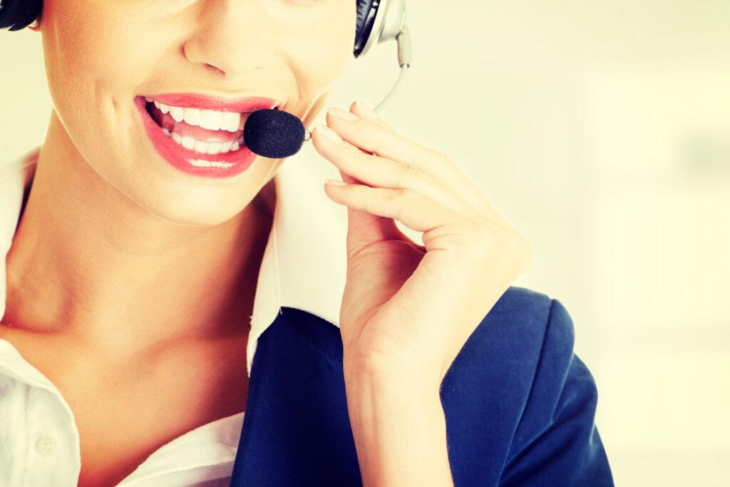 Le registrazioni vengono salvate in automatico. Dopo ogni chiamata è possibile scaricare o inoltrare il file audio tramite qualsiasi canale. Le chiamate sono anche possibili da ascoltare mentre il venditore sta parlando con il cliente, sia dal computer che da un telefono qualsiasi in tutto il mondo.